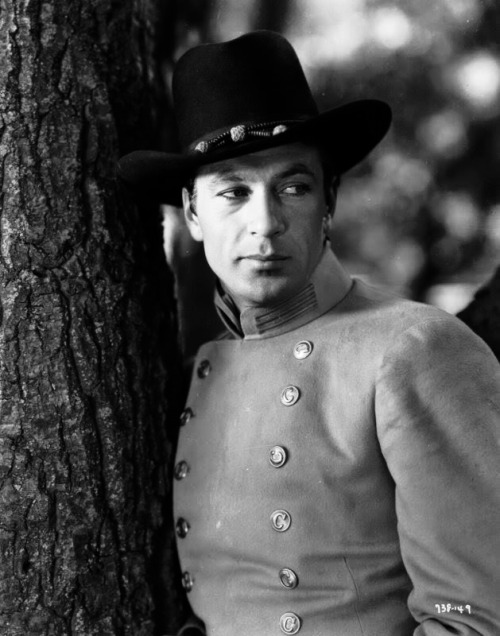 hollywoodlady:  Gary Cooper