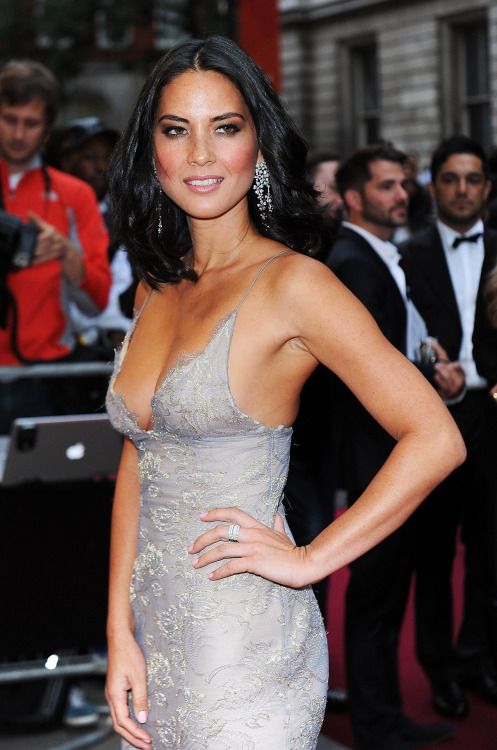 Olivia Munn stuns in revealing lilac dress!  What do you think of her look?