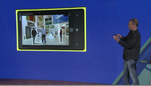 Nokia Smart Screen app. Remove people/moving objects from a photo. 5 consecutive snaps analyzed to remove the unwanted moving objects from the snap! Awesome! :)