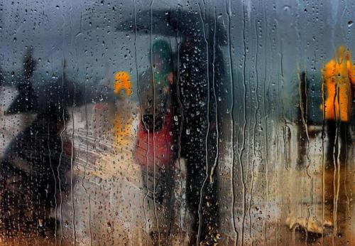 Walking in the Rain - Deniz Senyesil