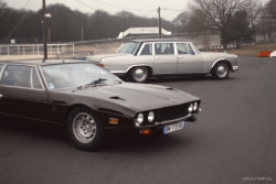 crazyforcars:  not such a great photo, but you're not likely to see an Espada and a 600 next to each other anytime soon
