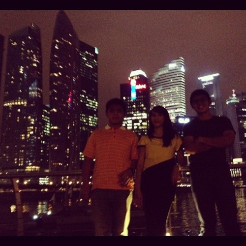 city lights (Taken with Instagram at Marina Bay Sands Olympic Walk)