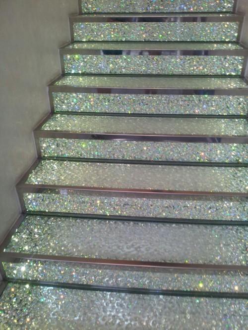 monda-ys:  tropicalthug:  the stairs in swarovski, paris  amazing