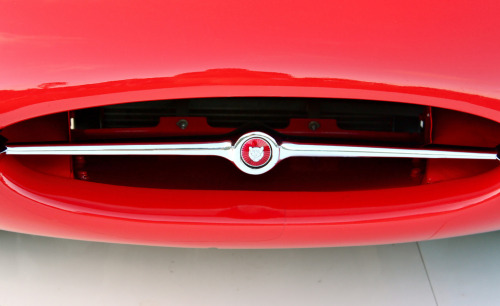 Kiss my mouth Starring: Jaguar XKE (by Markpinoi)
