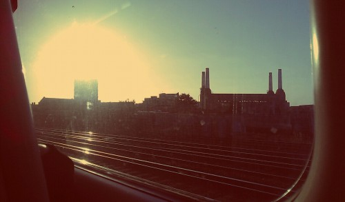 Train journey home from work. It always surprises me when inner city London looks beautiful…it doesn't surprise me however, that it's nearly always as the sun starts to set, when it is low in the sky.