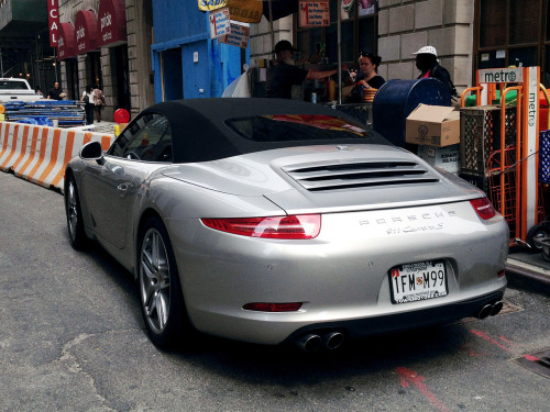 Spotted this 991 Carrera S Cabrio in the Financial District a few weeks ago. I love the new 911 more every time I see it.