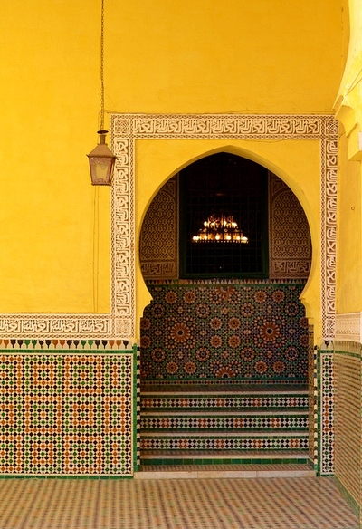 t-a-h-i-t-i:  Moroccan Tile by Chrissy Olson on Flickr.