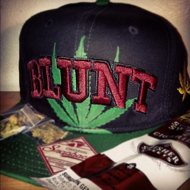 pabbzoh10:  I don't fucks wit #snapbacks but I do Fuck WIT #Blunts #weed #swishers #loud #exotic #rollup (Taken with Instagram)