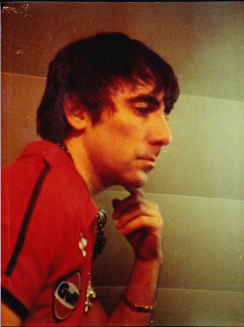 ohyou-prettythings:  I love finding new photos of Keith. Always beautiful.