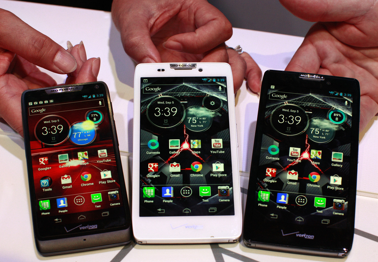 Google Inc's Motorola Mobility unveiled three smartphones to help compete with bigger rivals Apple Inc and Samsung Electronics Co for the holiday shopping season. Verizon Wireless, the biggest U.S. mobile provider, will sell all three devices - the Droid Razr HD, the Droid Razr Maxx HD and the Droid Razr M - the companies said on Wednesday. The smartphones will use Google's Android software. Motorola showed off the phones at a press event in New York, its first big media gathering since Google bought Motorola in May. Google has said that the handset maker will remain a separate subsidiary and will make fewer phones than before. The unveiling was part of a flurry of mobile device launches ahead of the holiday season throughout the industry. Earlier on Wednesday, Nokia Oyj and Microsoft Corp unveiled their flagship phone, the Lumia 920, which uses the latest Windows Phone operating software. Nokia did not announce any wireless operator partners for its device. Amazon.com Inc is expected to unwrap new Kindle Fire tablets on Thursday, and Apple is expected to unveil the latest version of its seminal iPhone on September 12. READ ON: Motorola unveils three new Razr smartphones