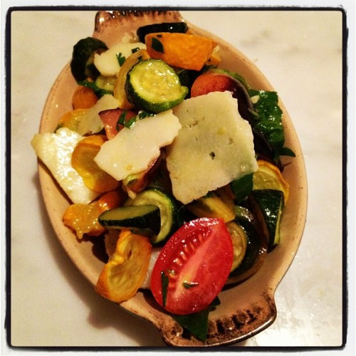 Green and yellow zucchini, tomatoes, lemon vinaigrette, pecorino Romano, herbs#porsenaextrabar  (Taken with Instagram)