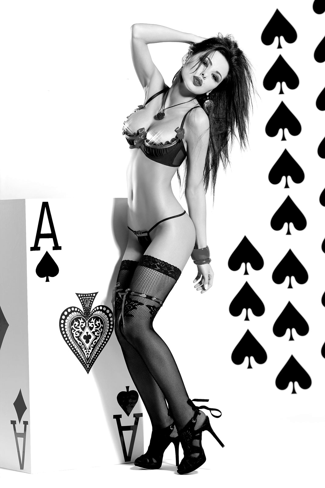 lovelifesin:  Ace of Spades…hmm…shouldn't it be the Queen of Hearts? ;)