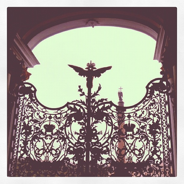 #hermitage #gate #russia #stpetersburg #europe #travel #instatravel (Taken with Instagram)