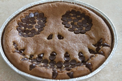 halloweencrafts:  DIY Jack Skellington Gluten Free Cookie Cake Recipe from Sweet Nothings in the Kitchen here.