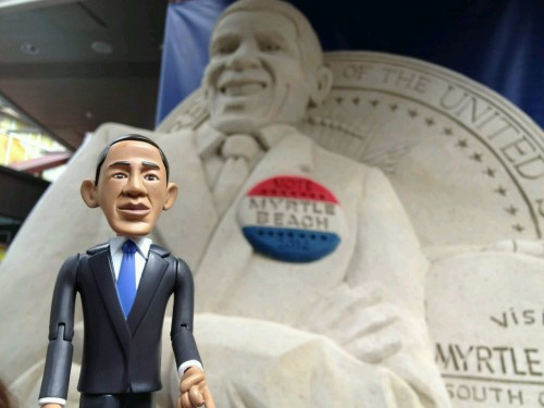 Yes, that IS a 15-ton sand sculpture of yours truly, aka POTUS, aka Barack. Kudos to the artist for getting my sand ears right, not easy to do! But where is my neck? Makes me looks like I'm giggling like a school girl. Sheesh. #DNC