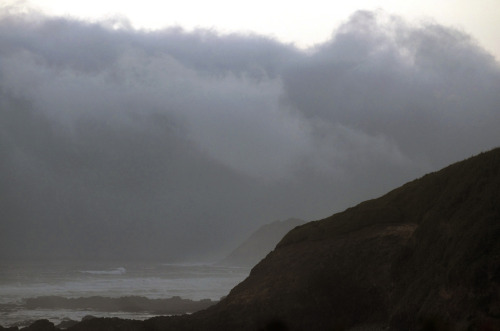isaac-lonetree:  Autumn Cloud Arrives on the Oregon Coast (by russell.tomlin)