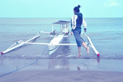 """Bring me to sea""Model: @titahtaroPhotographer: @imassaalahLocation: pantai ammani, pinrang.Camera: D3100"