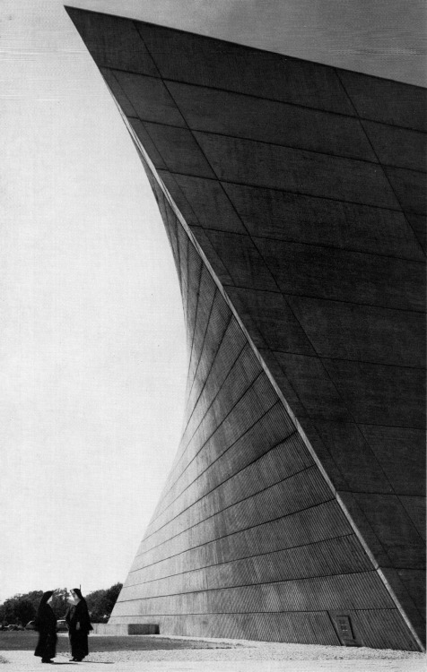 betonbabe:  MARCEL BREUER AND HERBERT BECKHARD ST. FRANCIS DE SALES CHURCH IN MUSKEGON, MICHIGAN, 1964