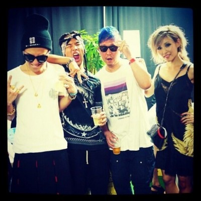 Taeyang & G-Dragon with Taku of M-flo & Melody at Backstage of A-Nation Source: @gd2r1top // Credit: BBupdates