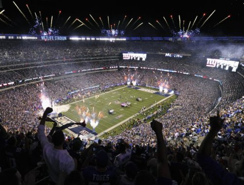 stadium-love-:  A general overall view of the Metlife Stadium as the New York Giants host the Dallas Cowboys in the opening game of the NFL football season in East Rutherford, New Jersey, September 5, 2012.  REUTERS/Ray Stubblebine