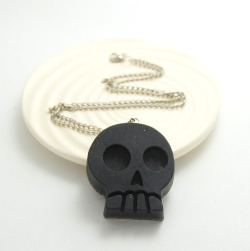 Black Skull Necklace, in Resin. Free shipping to US and Canada!