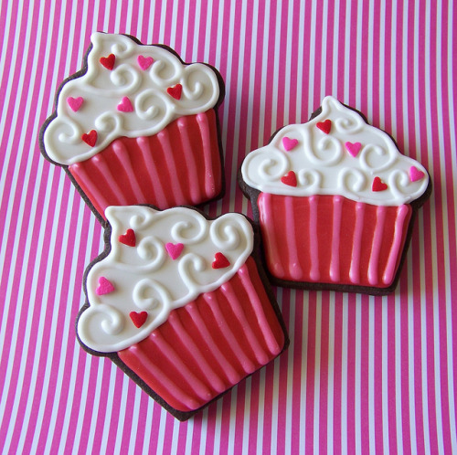 (via Valentine Cupcakes | Flickr - Photo Sharing!)