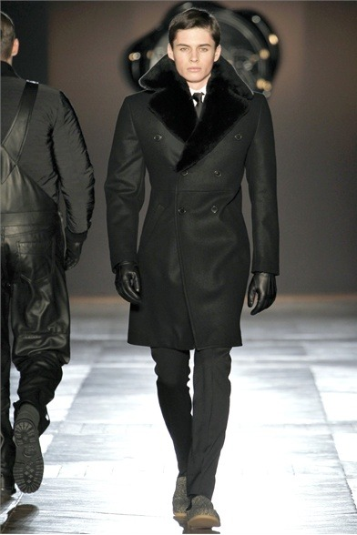 amenfashionworld:  Viktor & Rolf Fall/Winter 2012