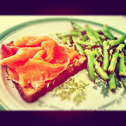 Open faced smoked salmon sandwich with sauté green beans - #health #fitness #diet #foodporn #instafit #instafood #instagood #iphoneonly #iphone #eatme #getinmybelly #yummy #meals #lunch #igers #instagram #yum  (Taken with Instagram)