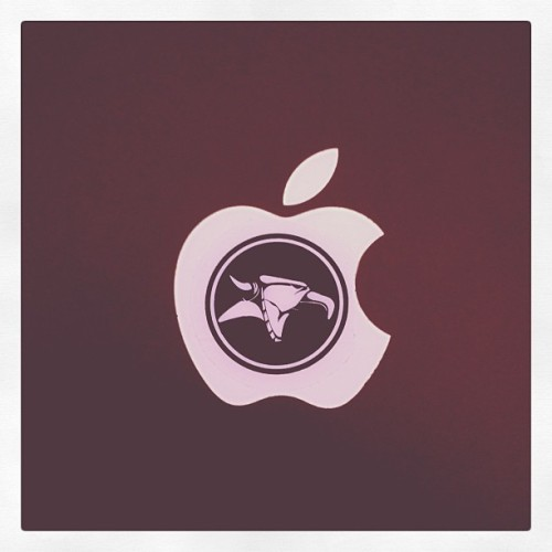 thypickle:  I love my Mac book air (Taken with Instagram)