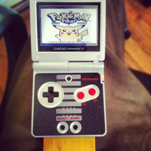 This is the shiet. :D #pokemon #yellowversion #oldschool #gameboyadvancesp #nintendo #pikachu #throwbackthursday (Taken with Instagram)