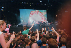 scr4tchcard:  kaiser chiefs - reading festival 2012  Loved this performance