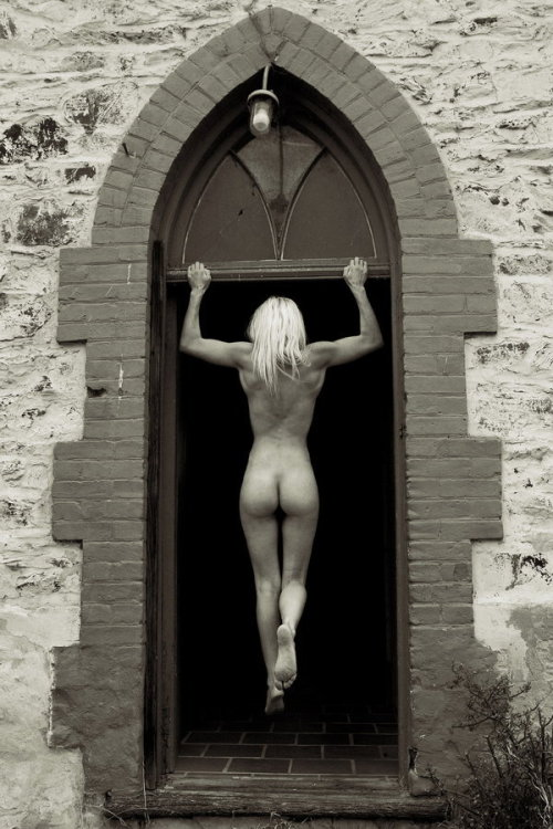 titillate-me:  Church Door by darrenphillips  I really, really want to be able to do this. Do you know how hard this is?! Really hard!