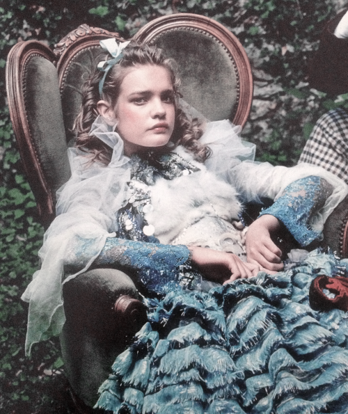 deprincessed:  Natalia Vodianova in 'Alice In Wonderland' by Annie Leibovitz for Vogue US December 2003 (featured in Vogue US September 2012)