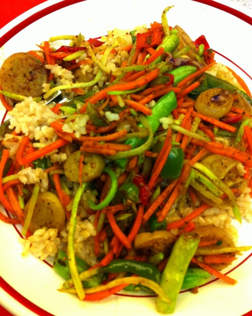 BAMBOO CURRY STIR FRY Thanks to a friend's garden bounty and her kind sharing, my husband and I enjoyed this simple stir fry the other evening.  Stir fried shallot, red and green pepper, Chinese eggplant, handful of green beans, shredded carrot and cabbage in coconut oil with Bamboo Curry Chef Salt, coriander, and cumin over brown rice.  Simple and so good.