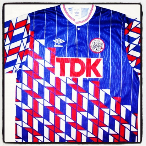Shirt of the day: Ajax, Umbro, 1989 courtesy of @wretchedascrisp   Source: classicfootballshirts
