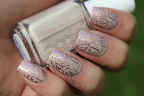 Delicate Stamping on Flickr.I love this combination. Essie Sand Tropez and China Glaze Admire!www.coewlesspolish.wordpress.com
