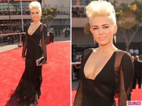 Miley Cyrus arrives!  What do you think of her sexy getup at the 2012 MTV VMAs ?