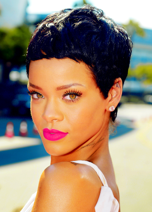Rihanna at the 2012 MTV Video Music Awards.  <3