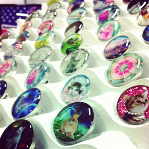 Fashion's Night Out SALE All small rings on sale now for under $20 until midnight www.locketship.com #locketship #jewelry #ring #bunny #cat #dinosaur #trex #unicorn #glitter #fno #cute #kawaii #sale #shop (Taken with Instagram)