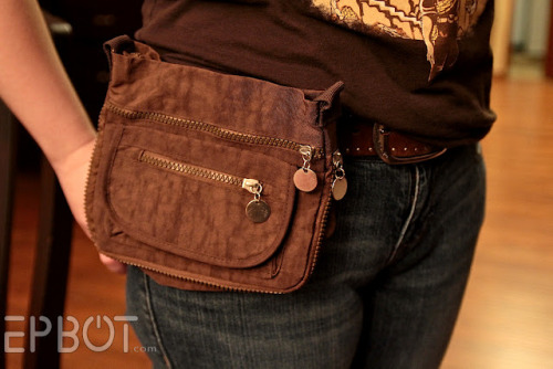 "truebluemeandyou:  DIY Restyled Purse to Hip Bag Tutorial from EPBOt here. Last time I posted a DIY for a Diane von Fustenberg inspired ""waist bag"" here I got comments and messages about it being a glorified ""fanny pack"". But this doesn't look like any of the lightweight fanny packs I've ever seen. Really like this practical DIY."