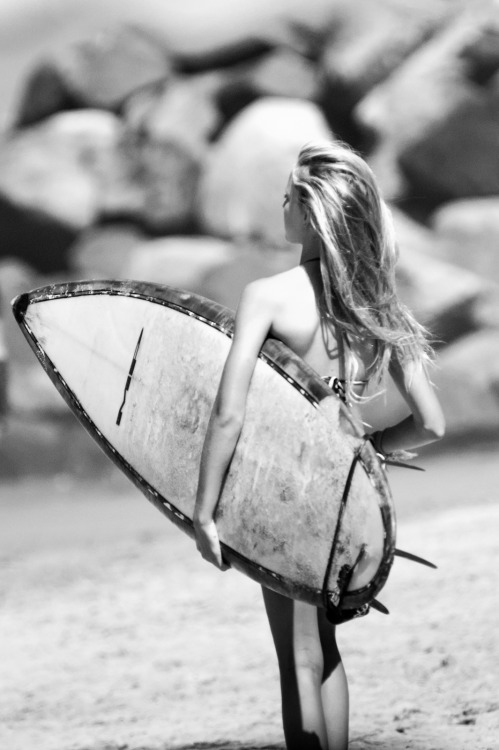 Summer 2k12 is over :( surfingcharon:  Little surfer girl in Oceanside