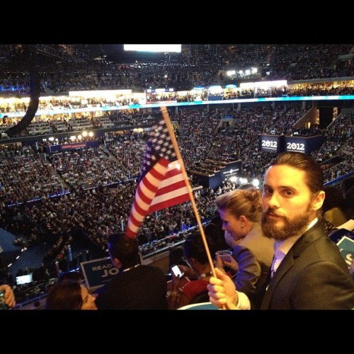 steelnglass:  jaredleto:  Me with a the flag at the #DNC2012 warning big patriotic beard in here (Taken with Instagram)  Scarlett Johansson behind him. lol