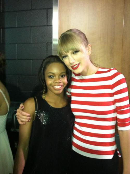 ‏@gabrielledoug@taylorswift13 Lovely to meet you!!!