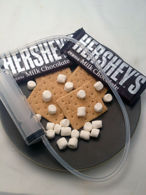 "antst00fs:  fuckme-bradtollman:  tehkukikookie:  S'mores Spaghetti - Dude Foods ""I made the chocolate noodles by boiling 3/4 of a cup of water and then mixing in two grams of agar powder. I then melted one and a half cups of Hershey's chocolate and mixed it in with the agar solution along with 1/3 of a cup of chocolate milk to keep it from getting too thick. For the marshmallow noodles I followed the exact same recipe, but swapped out the chocolate milk for regular milk.""  fuck you  palms sweaty, knees weak, s'mores spaghetti"