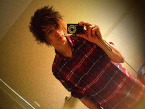 that-adelaide-kid:  Just cos :3  you're cute, let's date. c;