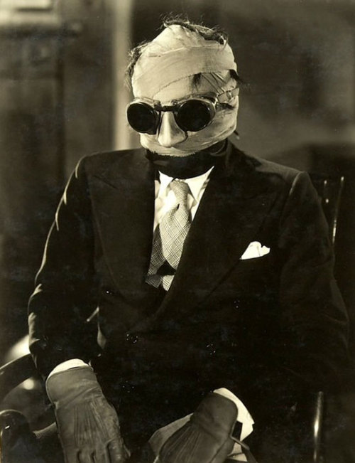 "the-asphalt-jungle:  Claude Rains - Publicity photo for ""The Invisible Man"" (1933)"