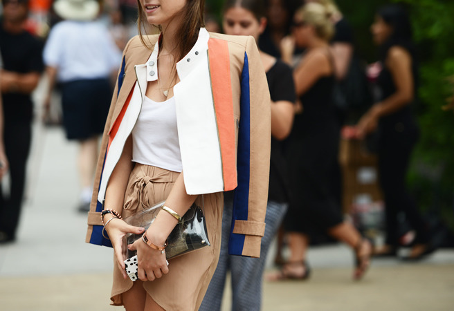 iwantbigcloset:  Tommy Ton snaps all the street style action at the spring 2013 shows  that color combo