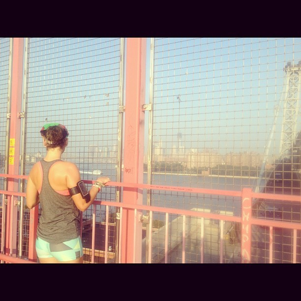 Good morning, Williamsburg. #running #marathontraining #nyc #nike @bridgerunners (Taken with Instagram at Williamsburg Bridge)