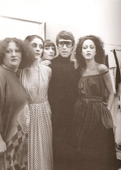 Halston with models, 1970s.