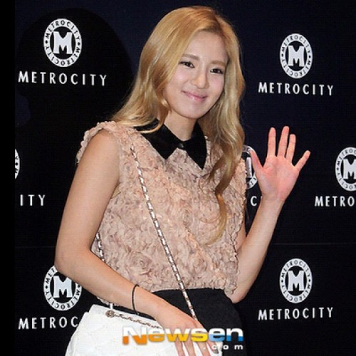 #hyoyeon #kimhyoyeon #dancingqueen #snsd #sone #soshi #sonyuhshidae #gg #girlsgeneration #kpop #kpop_ismylife #kpopzhoutoutz #sm #sment #smtown #korean #koreanidol #idol #idolgroup #hallyu #girl #girlgroup  (Taken with Instagram)